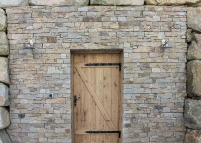 Mauer verkleidet mit Wandverblender Rustikal