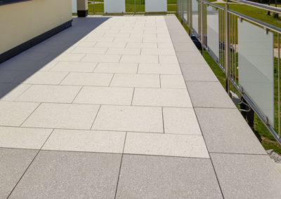Terrasse aus Betonplatten 60/40 im Steindesign