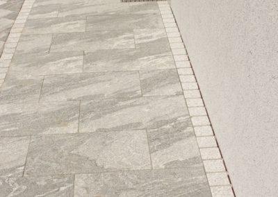 Traufenpflaster aus Granitplatten 60/40 Taifun Grey