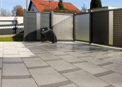 Terrasse aus Betonsteinen in Steinoptik Hell/Dunkel