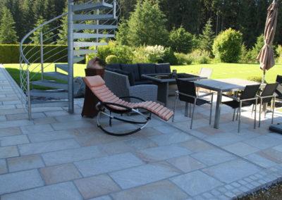 Bodenplatten aus Granit Histora 40-80/40 cm